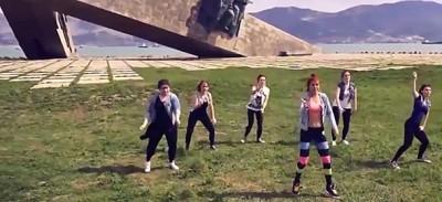 Le ragazze condannate in Russia per aver ballato