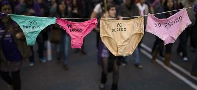 In Spagna si discute di nuovo di aborto