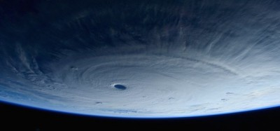 Il tifone Maysak fotografato da Samantha Cristoforetti