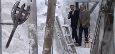 """Il video del primo ministro britannico David Cameron sul set della serie tv """"Game of Thrones"""""""