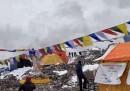 Il video della valanga che ha distrutto il campo base sull'Everest