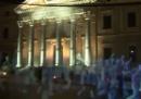 La manifestazione con gli ologrammi a Madrid