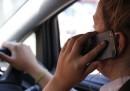 Il momento giusto per usare il cellulare mentre si guida