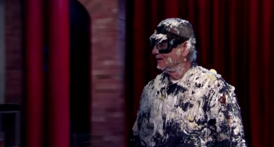 Bill Murray salta fuori da una torta per David Letterman