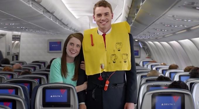 Il video per la sicurezza in volo fatto con famosi meme e video virali