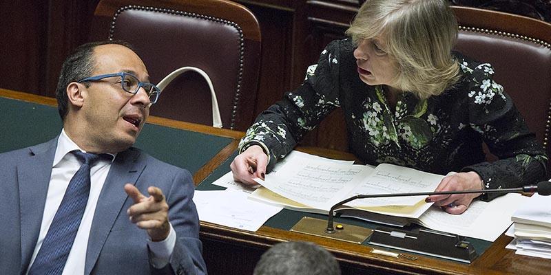 Il voto finale alla camera sulla riforma della scuola in for Diretta da montecitorio