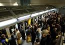 Gli scioperi dei mezzi pubblici a Torino e Genova