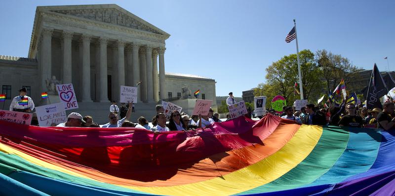 Approvazione matrimoni gay america
