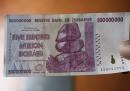 Lo Zimbabwe abbandona la sua moneta