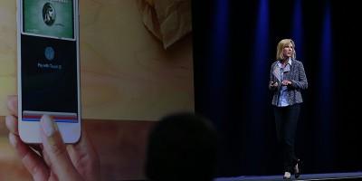 Le due donne alla presentazione di Apple