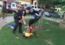 Il poliziotto texano che ha maltrattato una ragazzina si è dimesso