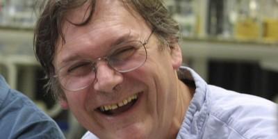 Il premio Nobel Tim Hunt sulle donne: «quando le critichi si mettono a piangere»