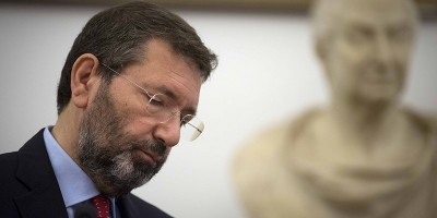 Ignazio Marino vuole restare sindaco di Roma fino al 2023