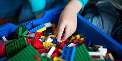 Lego taglia 1.400 posti di lavoro: