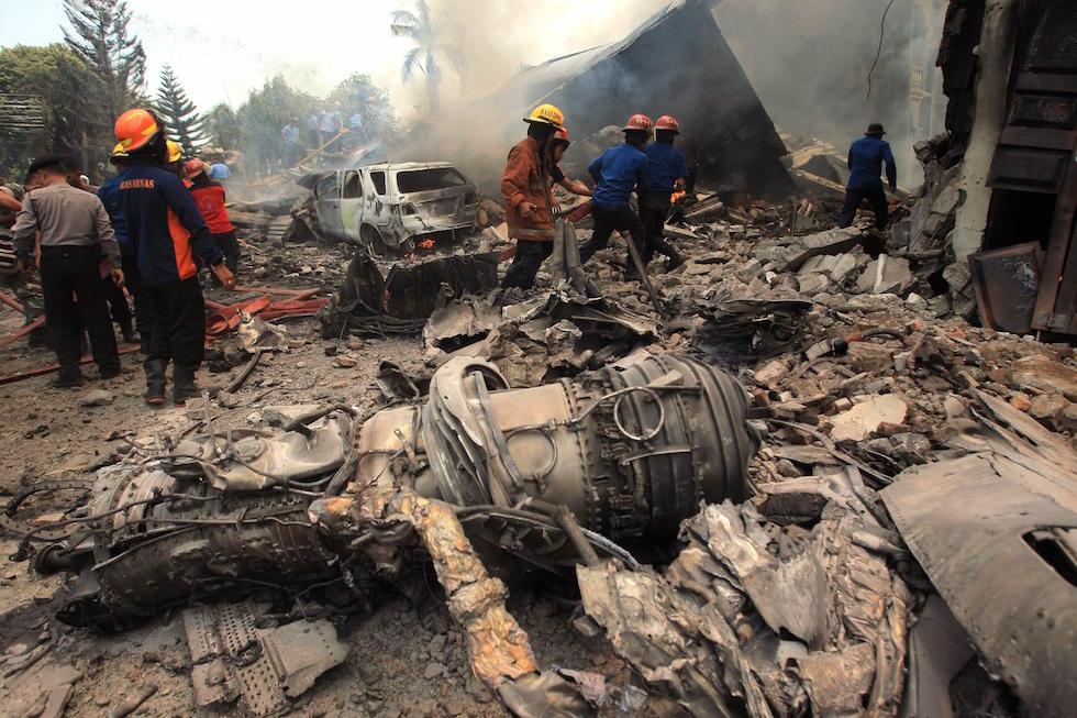 Medan Indonesia  City new picture : ... un incidente aereo in indonesia medan indonesia epa dedi sahputra