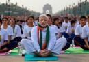 Le foto di Narendra Modi che fa yoga sul Rajpath