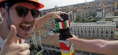 La torre Lego più alta del mondo, a Milano