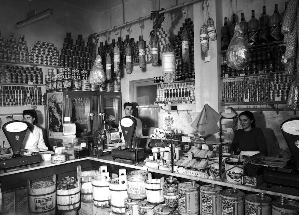 Vecchie botteghe italiane il post for Negozi arredamento friuli
