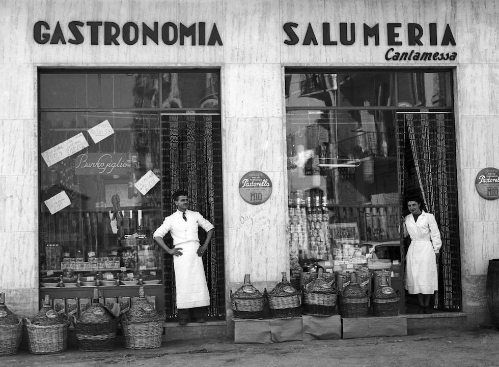 Vecchie botteghe italiane il post for Negozi arredamento vintage milano
