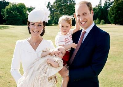 Le foto ufficiali del battesimo della principessa Charlotte, scattate da Mario Testino