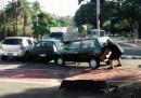 Che cosa fare con le auto parcheggiate sulla pista ciclabile