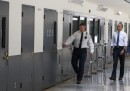 La prima visita di un presidente americano in un carcere federale