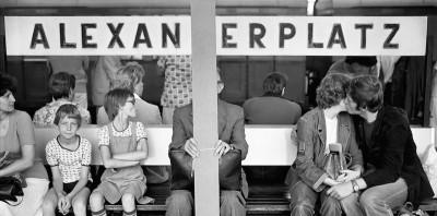 La vita sui due lati del muro di Berlino