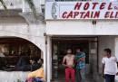 I migranti nell'hotel abbandonato di Kos