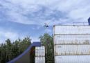 Con la BMX tra i container