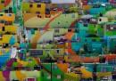 L'enorme arcobaleno colorato su 209 case di Pachuca, in Messico
