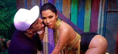 Le scuse del museo Madame Tussauds per le foto inappropriate con la statua di Nicki Minaj