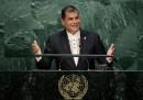 Un tribunale dell'Ecuador ha chiesto l'arresto dell'ex presidente Rafael Correa