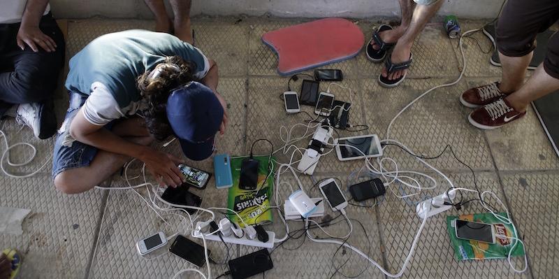 il ruolo di facebook e degli smartphone nei viaggi dei migranti