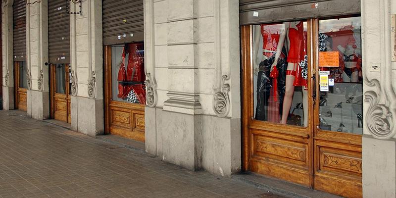 I negozi aperti o chiusi nei festivi il post for Negozi arredamento aperti domenica