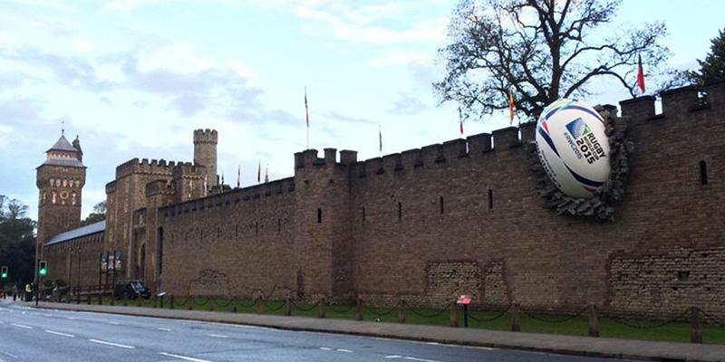 Palla Mura Il Del Cardiff Di Post Da Rugby Castello La Gigante Nelle xEBWQrCdoe