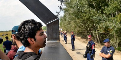 L'Ungheria ha chiuso il confine con la Serbia