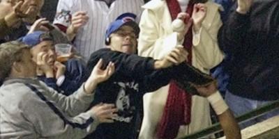 Vi ricordate il tifoso accusato di aver fatto perdere ai Cubs le World Series di baseball?