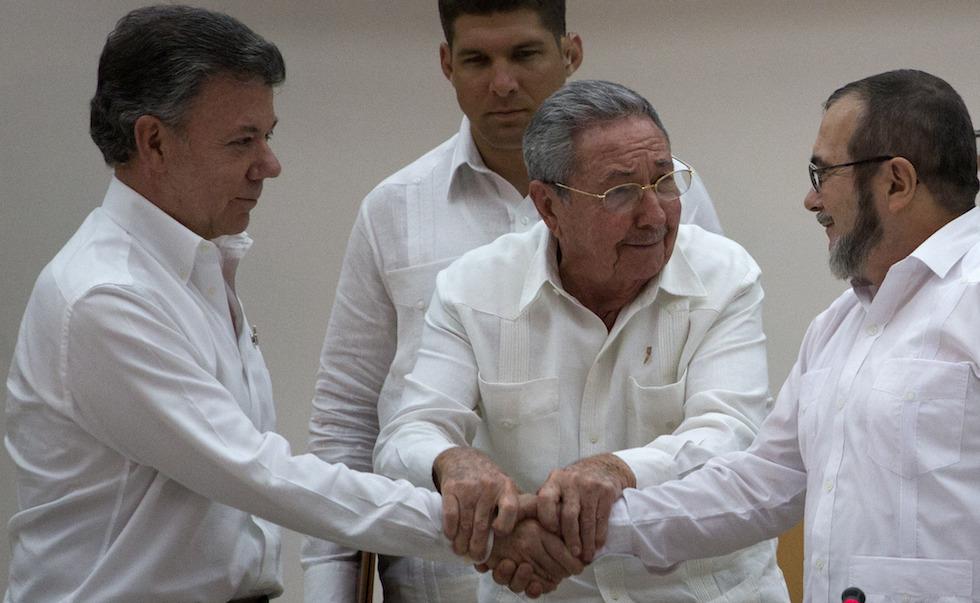 Raul Castro, Juan Manuel Santos, Timoleon Jimenez