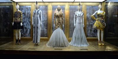 La moda delle mostre di moda