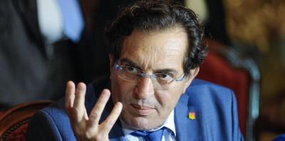 L'ex governatore della Sicilia Rosario Crocetta è indagato per associazione a delinquere