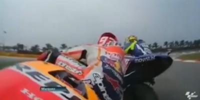 Il video che mostra il contatto tra Valentino Rossi e Marc Marquez