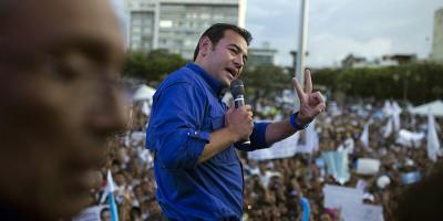 Il nuovo presidente del Guatemala è un ex comico