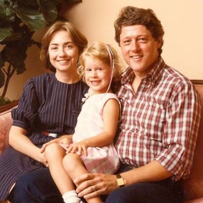 Foto di famiglia dei Clinton