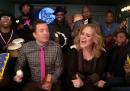 """Adele, Jimmy Fallon e i Roots che cantanto """"Hello"""""""