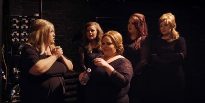 Adele partecipa a una gara di imitatrici di Adele