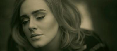 Adele, il suo disco e un secchio di lacrime