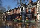 Le foto delle alluvioni nel nord del Regno Unito
