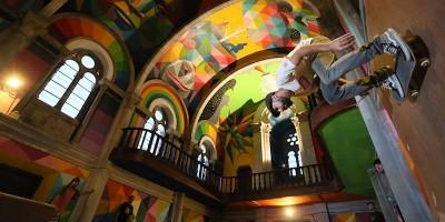 Le foto della chiesa dove si fa skateboard, in Spagna