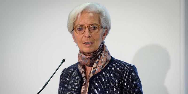 Francia, Lagarde rinviata a giudizio per negligenza nel caso Tapie: farà ricorso