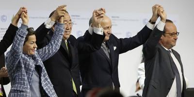 A Parigi c'è un accordo sul clima, infine